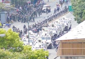 Colectivos oficialistas atacan a ciudadanos en plena calle