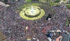 Esta manifestación en Plaza Venezuela fue posterior a la decisión inconstitucional, pero el país se movió igual