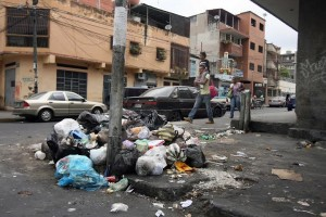 No es La Habana, Cuba. Es un barrio de Caracas. Es lo que va quedando del país