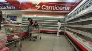 Anaqueles vacíos es la normalidad en los abastos y supermercados de Venezuela. Estilo cubano importado y aceptado